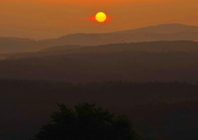Sonnenuntergang im Bayerischen Waldq